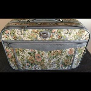 JORDACHE Floral Tapestry suitcase carry-on bag